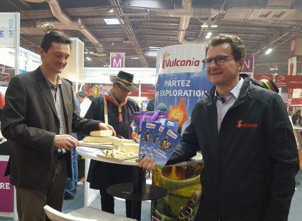 Le fromage AOP Saint-Nectaire partenaire officiel des 15 ans du Parc Vulcania