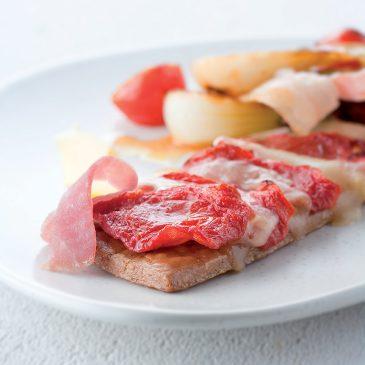 Sablé au Cantal jeune et tomates confites