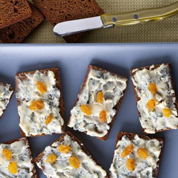 Canapés de Bleu d'Auvergne au pain d'épices