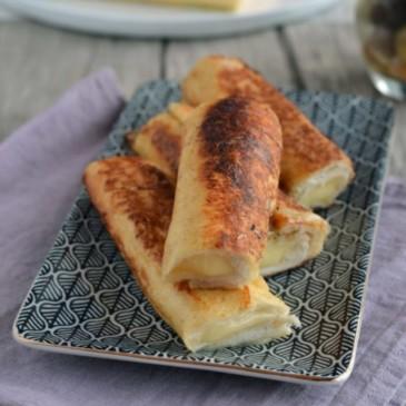 Roulés de pain perdu à la noisette et Saint-Nectaire