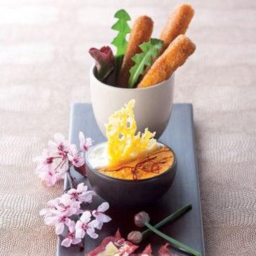 Frites de Cantal jeune, verrine de carottes au Cantal entre-deux, carpaccio de bœuf au Cantal vieux