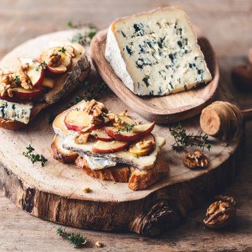 Toast de pommes rôties au miel et au Bleu d'Auvergne